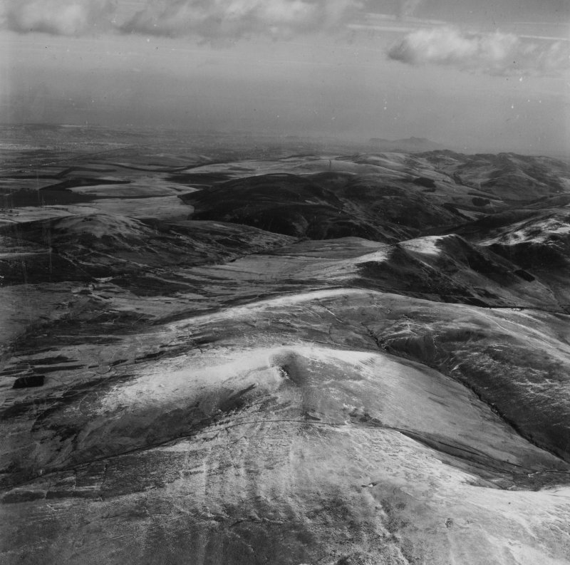 Pentland Hills, general view, showing Logan Burn and Black Hill.  Oblique aerial photograph taken facing north-east.  This image has been produced from a print.