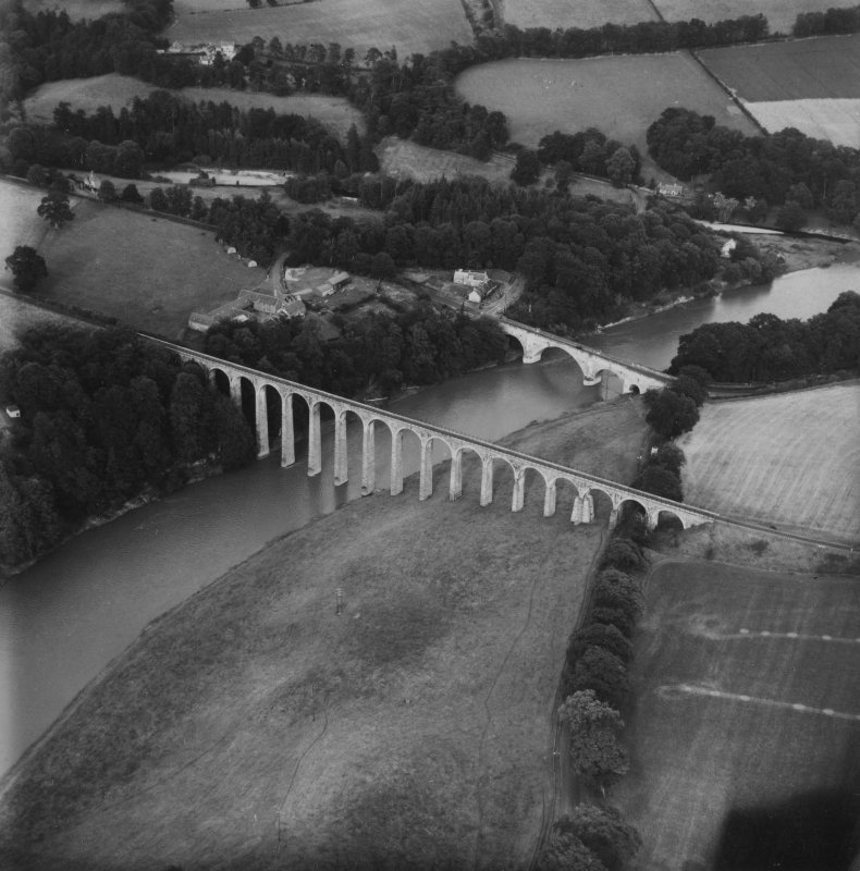 Leaderfoot Viaduct and Road Bridge, Leaderfoot.  Oblique aerial photograph taken facing east.  This image has been produced from a print.