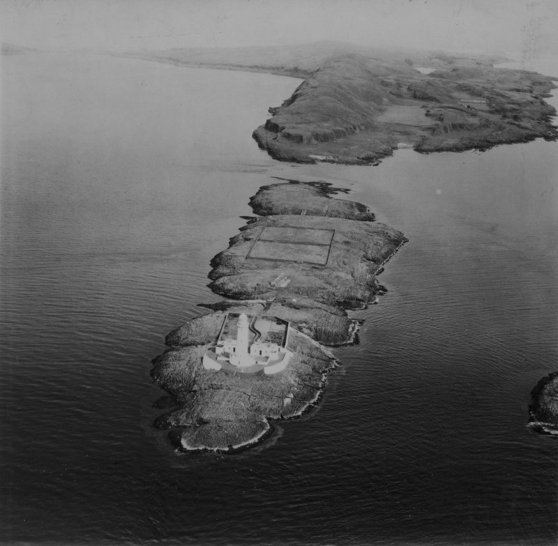 Lighthouse, Eilean Musdile and Tom na Faire, Lismore.  Oblique aerial photograph taken facing north-east.  This image has been produced from a print.