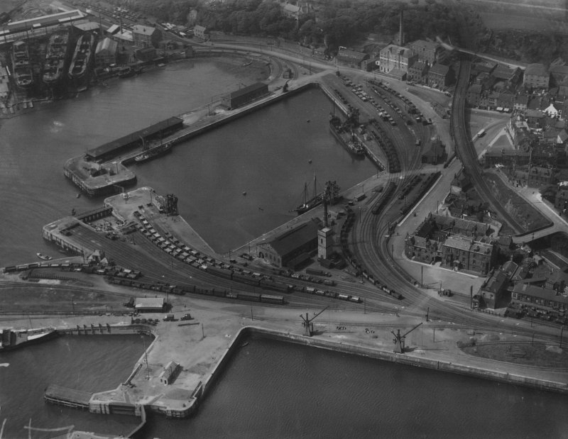 Burntisland Harbour.  Oblique aerial photograph taken facing north-west.  This image has been produced from a marked print.