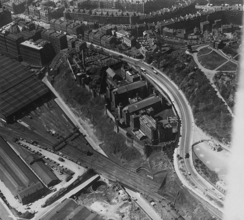 Calton Jail, Regent Road, Edinburgh.  Oblique aerial photograph taken facing north-west.  This image has been produced from a print.