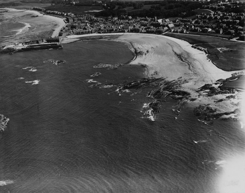 North Berwick Bay.  Oblique aerial photograph taken facing south-east.  This image has been produced from a print.