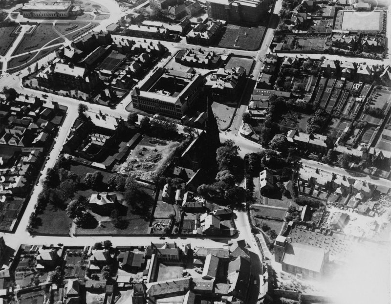 Kirkcaldy, general view, showing St Brycedale Church of Scotland and Kirkcaldy High School, St Brycedale Avenue.  Oblique aerial photograph taken facing north-west.  This image has been produced from a print.