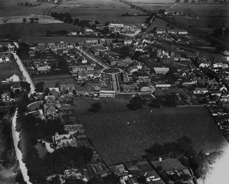 Lockerbie, general view, showing Banks Hill and Victoria Park.  Oblique aerial photograph taken facing north.  This image has been produced from a print.