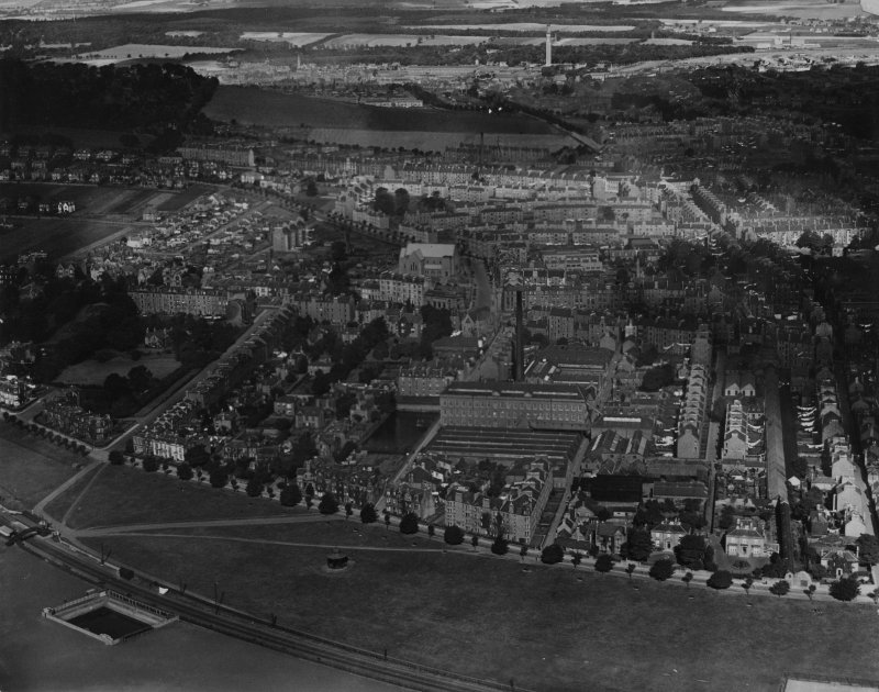 Dundee, general view, showing Seafield Works, Taylor's Lane and Blackness Avenue.  Oblique aerial photograph taken facing north.  This image has been produced from a print.