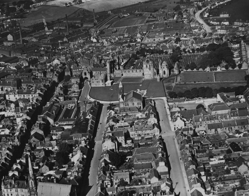 Arbroath, general view, showing Arbroath Abbey and Abbey Parish Church, West Abbey Street.  Oblique aerial photograph taken facing north.  This image has been produced from a print.