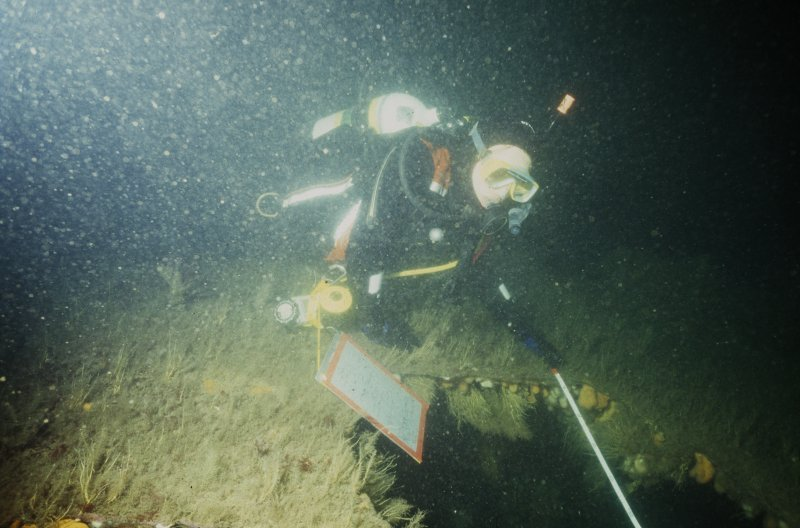 Maritime photographs: Underwater photograph of a diver planning the wreck site