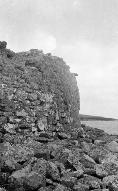 View of external walling, Dun Torcuill.