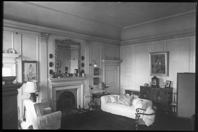 Interior. View of drawing room.