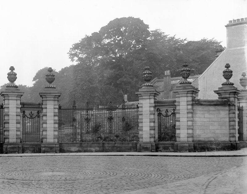 View of railings known as Louise Carnegie Memorial Gate, at Pittencrieff Park, Dumfermline.