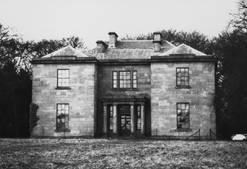 Dunsinnan House General view of main facade before 1899 additions.
