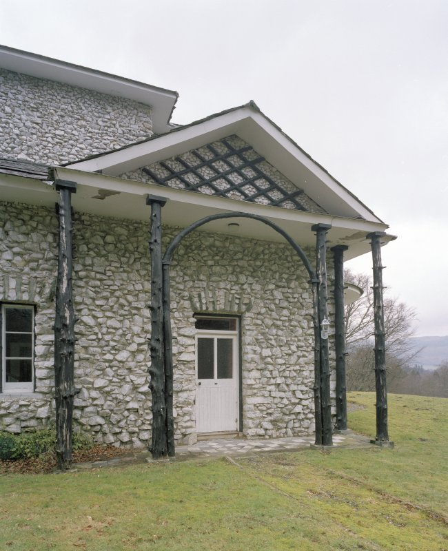 Detail of S pedimented porch