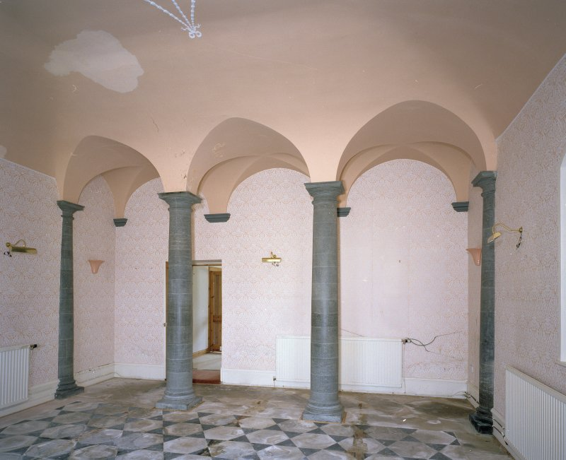 Interior. Ground floor E saloon Detail of columns and vaulting