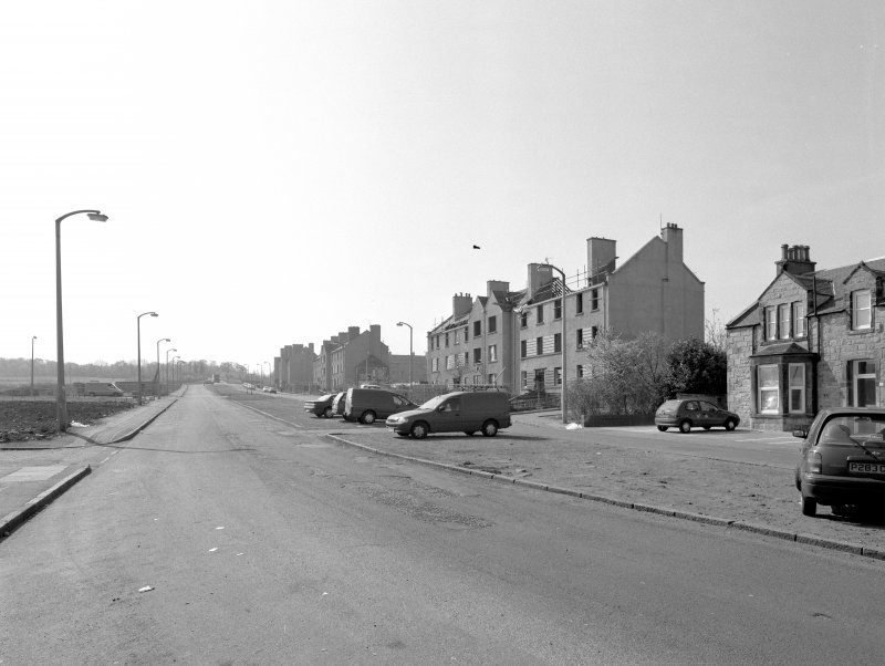 View of Craigmillar Castle Rd from N