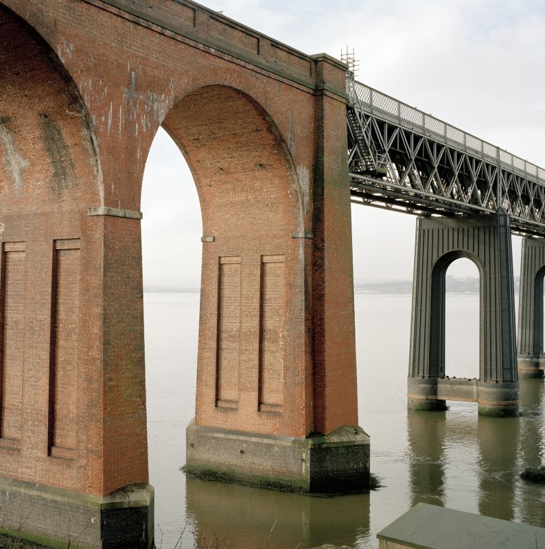 Detailed view from SE showing the point at which the main steel portion of the bridge meets the brick viaduct at its south end.