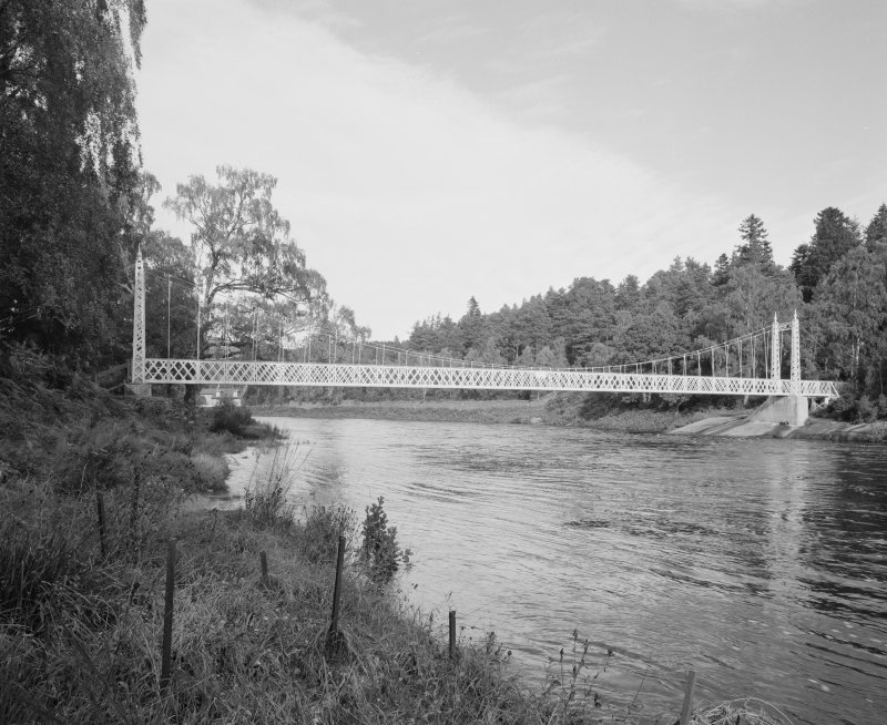 View from S of SE elevation of the bridge