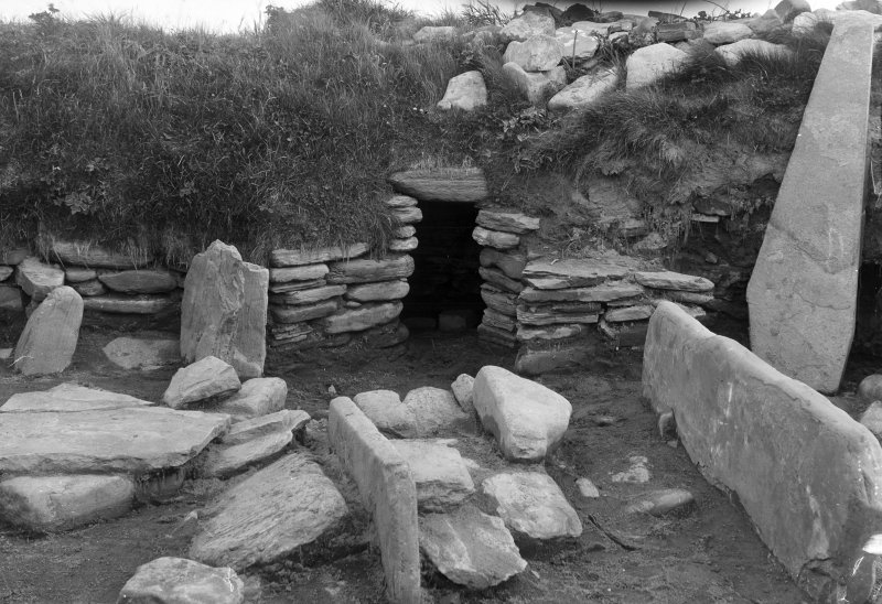 Excavation Photograph: Hut 4.