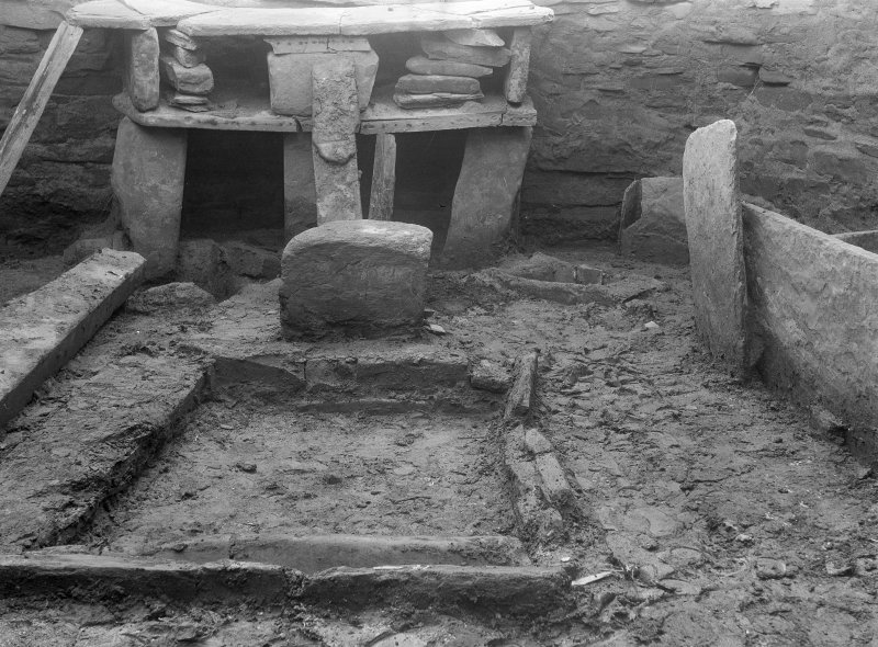 Excavation Photograph: House 7, hearth.