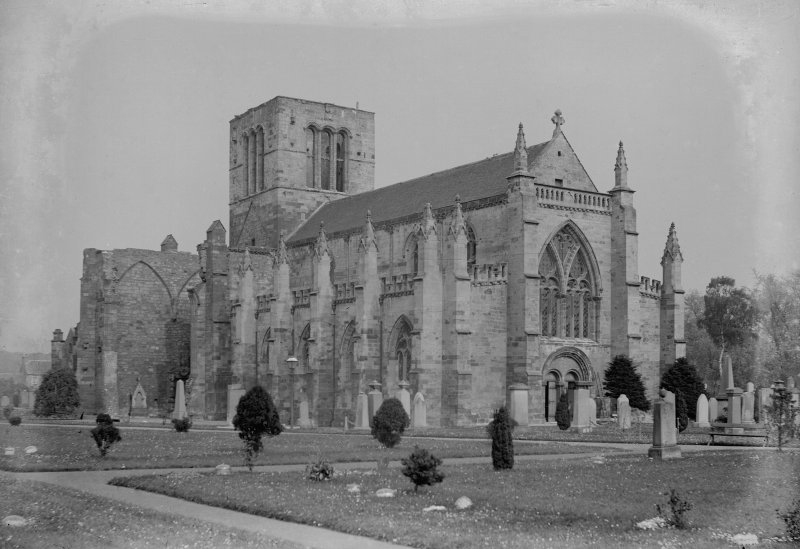 General view of St Mary's Parish Church, Haddington, from W.