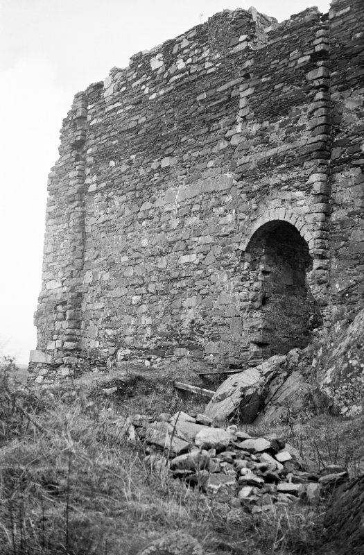 Castle Sween. View of entrance to South corner.