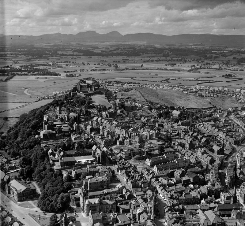 General View Stirling, Stirlingshire, Scotland. Oblique aerial photograph taken facing North/West.