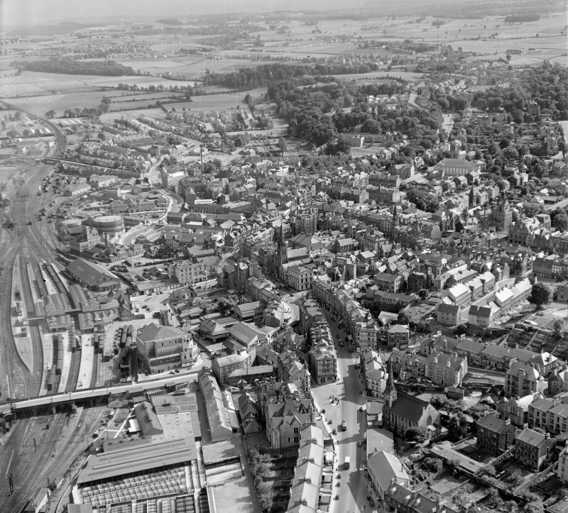 General View Stirling, Stirlingshire, Scotland. Oblique aerial photograph taken facing South/East.