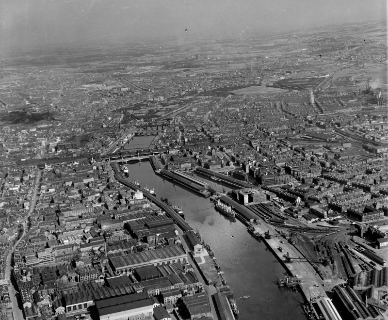 General View Glasgow, Lanarkshire, Scotland. Oblique aerial photograph taken facing East.