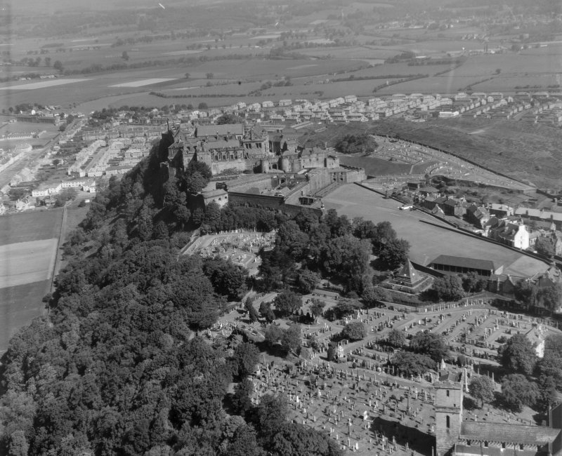 Stirling Castle Stirling, Stirlingshire, Scotland. Oblique aerial photograph taken facing North.