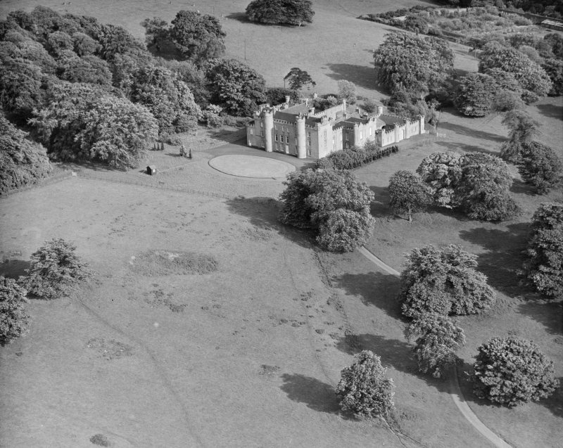 Binns House, near Linlithgow, property of National Trust of Scotland Abercorn, West Lothian, Scotland. Oblique aerial photograph taken facing South/East.
