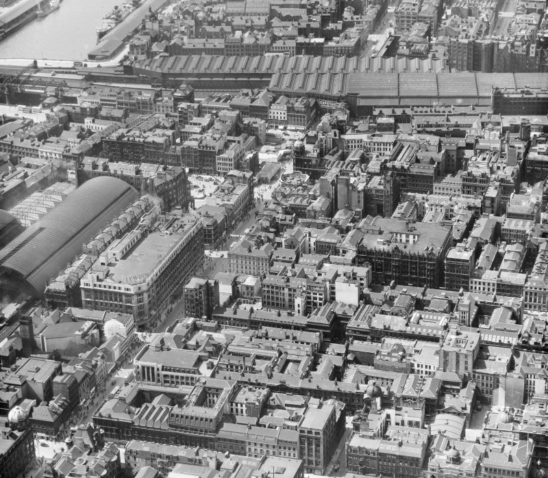 Argyll Street, left, Central Station background Glasgow, Lanarkshire, Scotland. Oblique aerial photograph taken facing West.