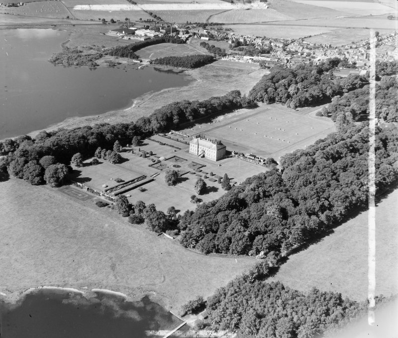 Colonel Montgomery Kinross, Kinross, Scotland. Oblique aerial photograph taken facing South/West. This image was marked by AeroPictorial Ltd for photo editing.
