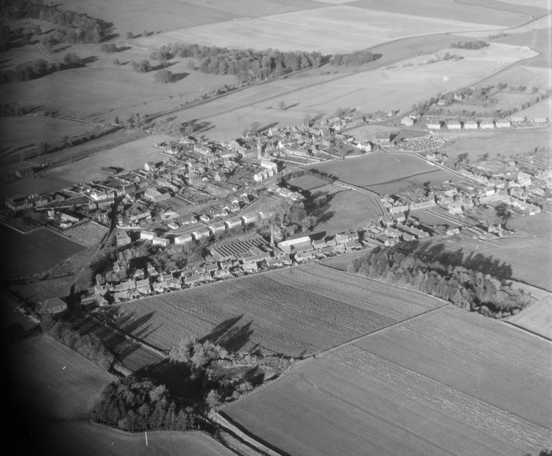 General View Auchtermuchty, Fife, Scotland. Oblique aerial photograph taken facing South/West.