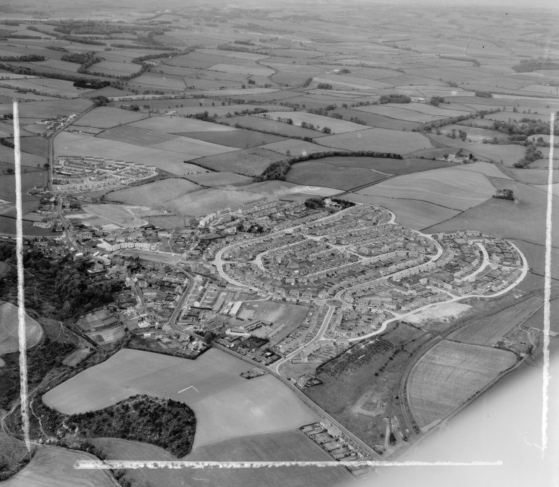 General View Kennoway, Fife, Scotland. Oblique aerial photograph taken facing North/East. This image was marked by AeroPictorial Ltd for photo editing.