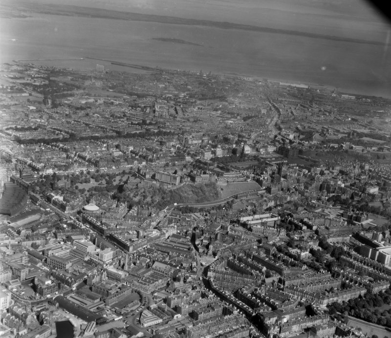 General View Edinburgh, Midlothian, Scotland. Oblique aerial photograph taken facing North/East.