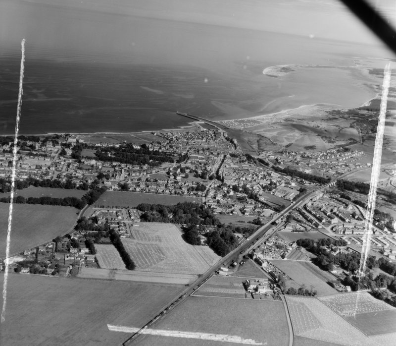 General View Nairn, Nairn, Scotland. Oblique aerial photograph taken facing North/East. This image was marked by AeroPictorial Ltd for photo editing.