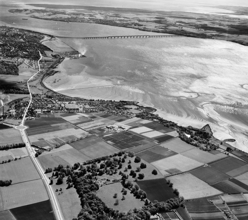 General View, Dundee, Angus, Scotland. Oblique aerial photograph taken facing East.
