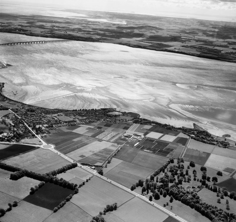 General View, Dundee, Angus, Scotland. Oblique aerial photograph taken facing South/East.