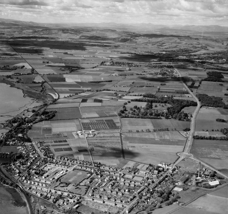 General View, Dundee, Angus, Scotland. Oblique aerial photograph taken facing West.
