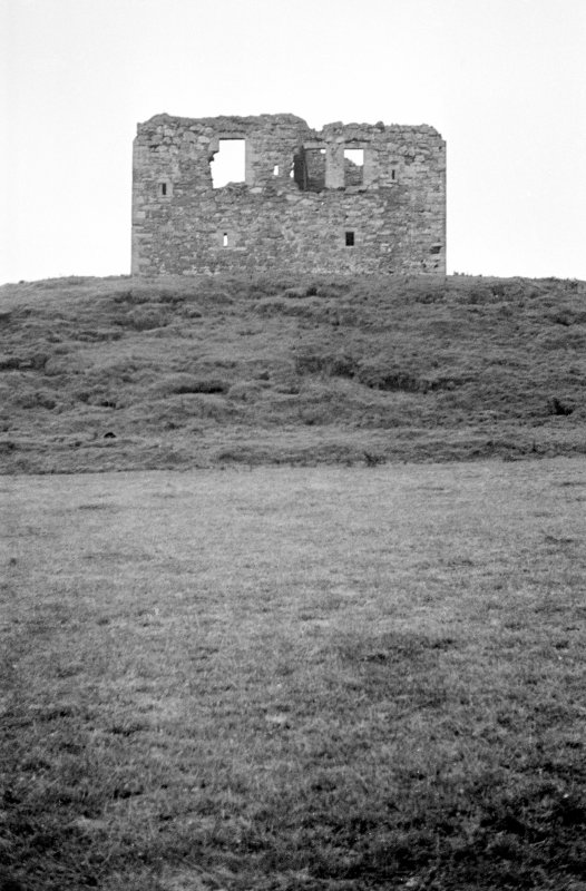 General view of Dunduff Castle from W.