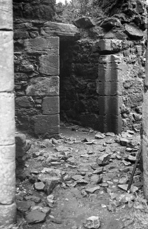 Dunduff Castle. Kitchen door for comparison with next photograph (AY 567/8).