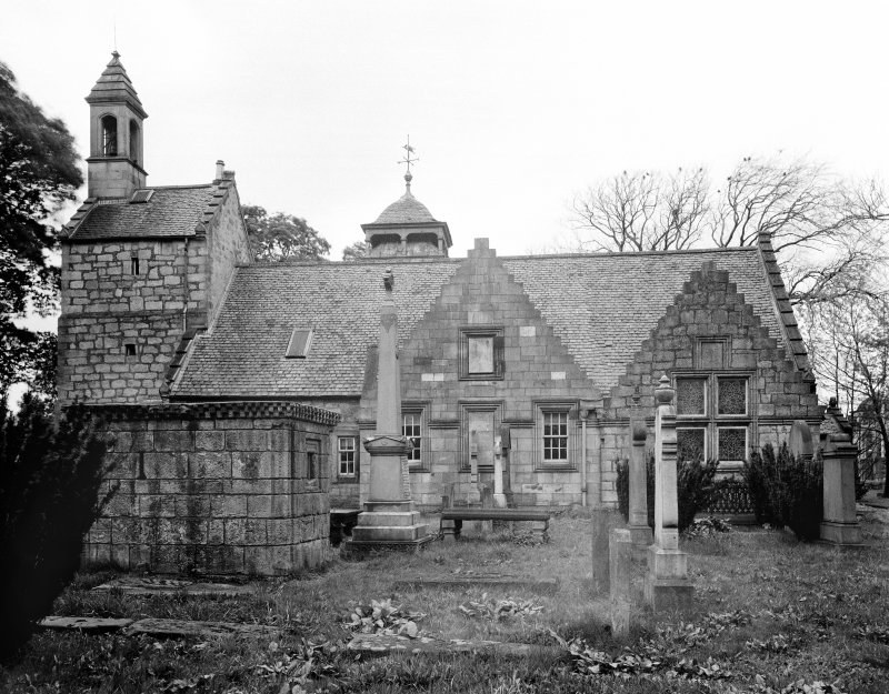 Kilbirnie Church. View from South.