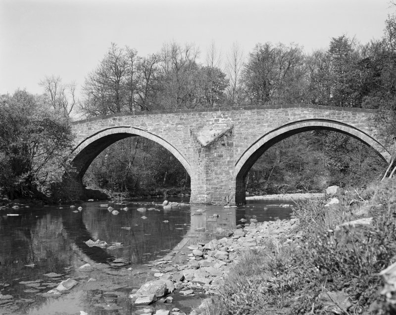 Sorn Old Bridge. View from East.