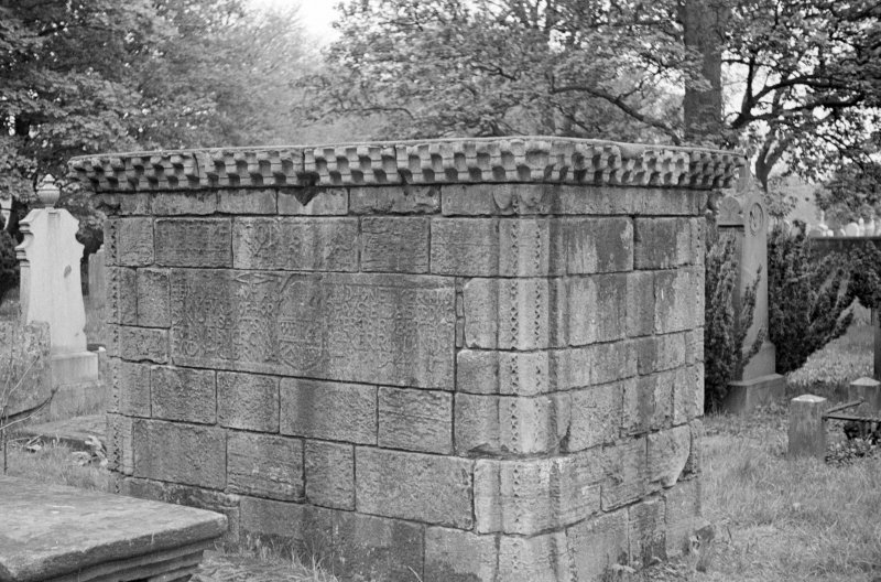 Kilbirnie Church. General view of Crawfurd Tomb.