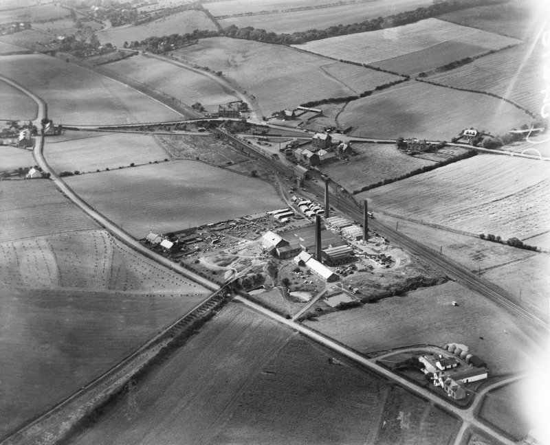 Glenboig Union Fireclay Co. Cumbernauld Fireclay Works, Cumbernauld, Dunbartonshire, Scotland, 1930.  Oblique aerial photograph taken facing west.