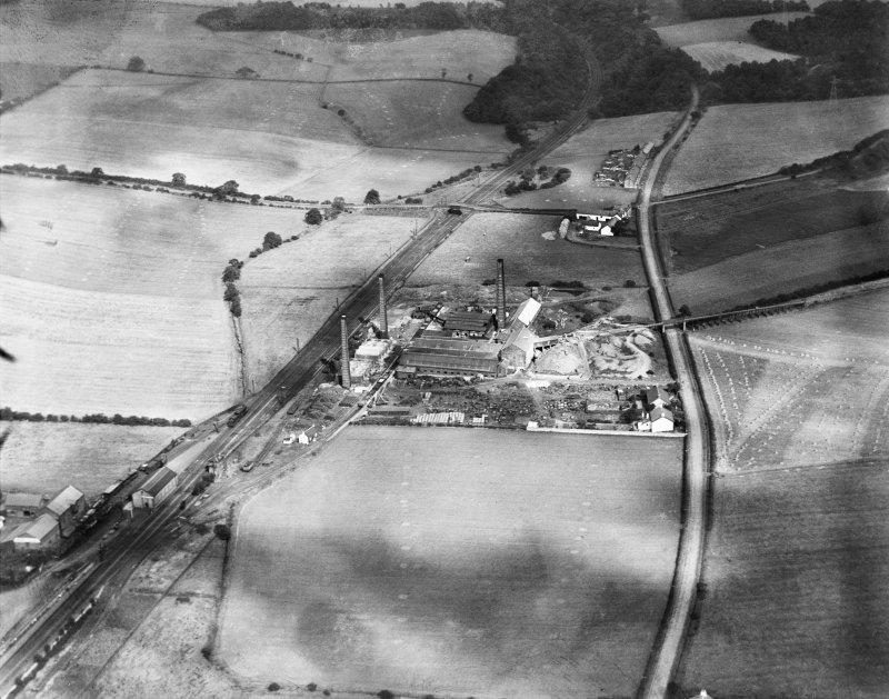 Glenboig Union Fireclay Co. Cumbernauld Fireclay Works, Cumbernauld, Dunbartonshire, Scotland, 1930.  Oblique aerial photograph taken facing north-west.