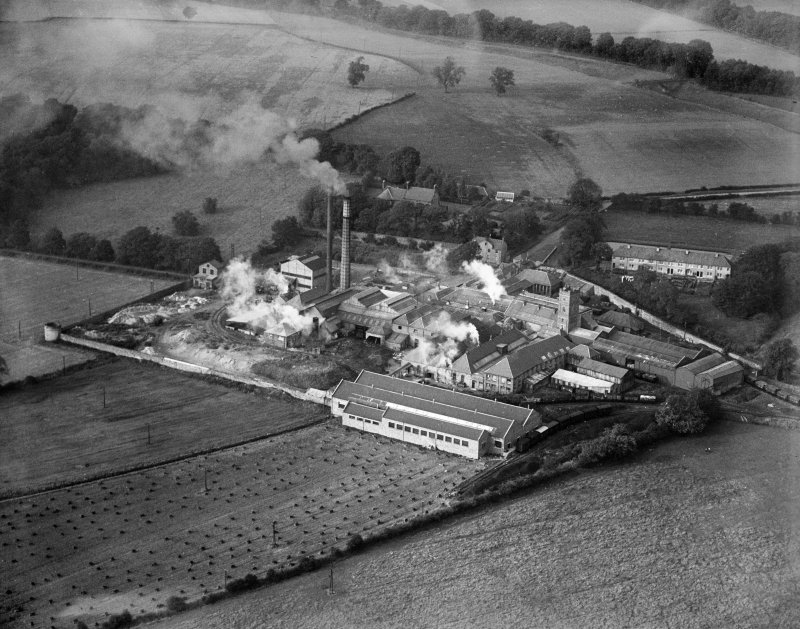 Gestetner Ltd per J&A Weir Ltd, Kilbagie Mill, Broomknowe, Clackmannan, Scotland, 1933. Oblique aerial photograph, taken facing north.