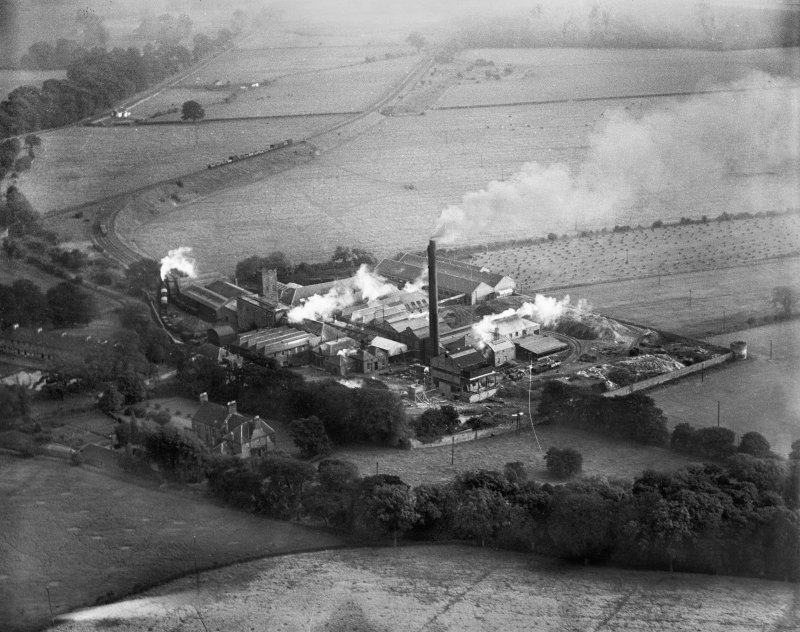 Gestetner Ltd per J&A Weir Ltd, Kilbagie Mill, Broomknowe, Clackmannan, Scotland, 1933. Oblique aerial photograph, taken facing south.
