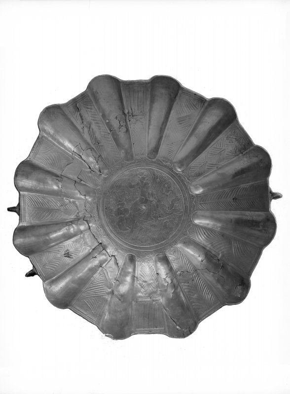 Shell-shaped disk (No. 30)