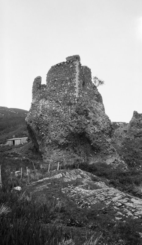 Brochel Castle, Raasay. General view.