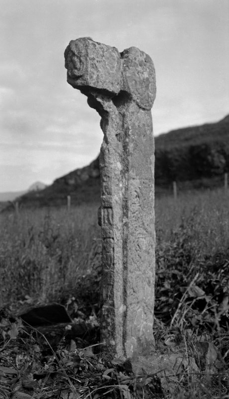 Sculptered cross, A 'Chill, Canna. No. 28